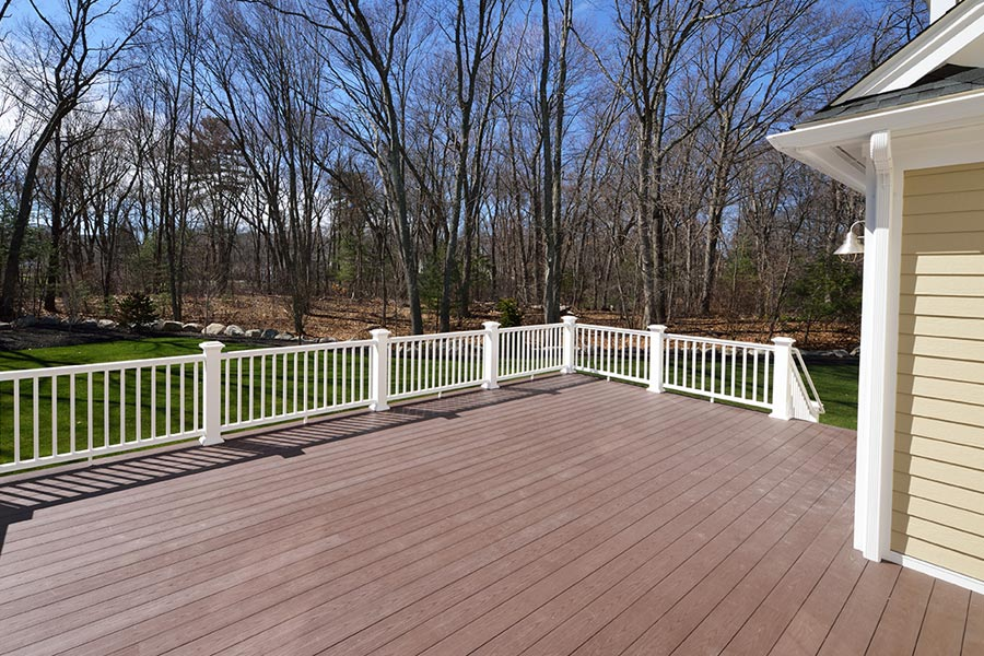 deck and porch contractor Butler