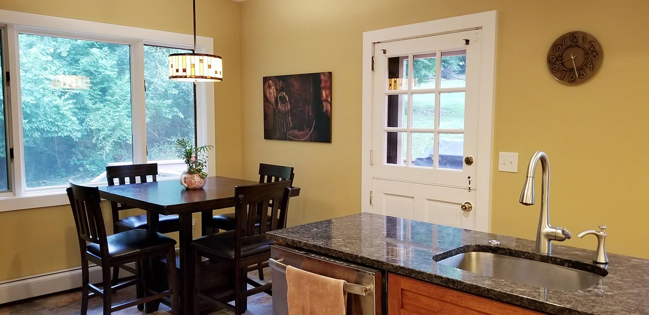 Rosslyn Farms PA 203k kitchen nook area after